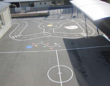 circuit jeux dans la cour de récréation